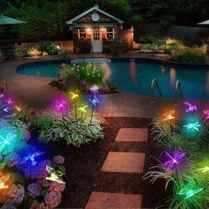 Đèn cắm cỏ